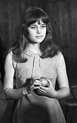 НОВОСИБИРСКАЯ ШКОЛЬНИЦА Ирина Алферова была названа журналистами «Мисс-Пресса». Тогда ей было 17 лет